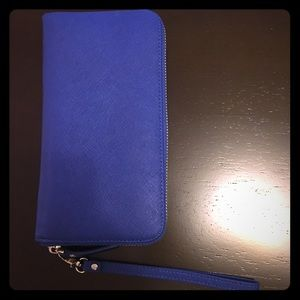HB Wallet with charger
